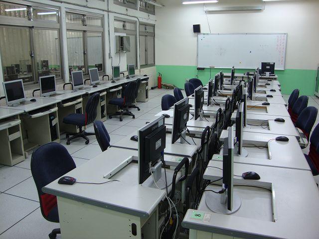 電腦輔助機械製造模擬工場